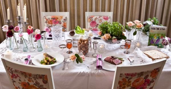שולחן חג חד-פעמי: פילה לוקוס וסינטה קרם שורשים