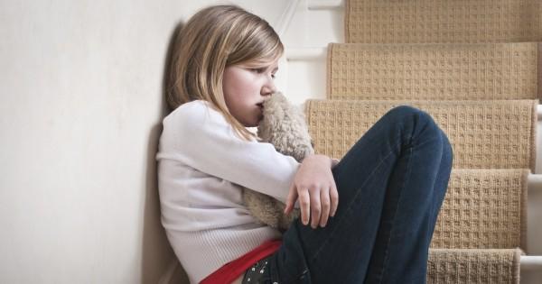 כיצד מתמודדים עם ילדים שפוגעים מינית בילדים אחרים?