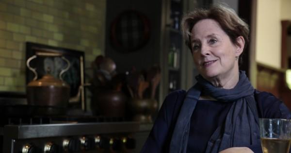 אליס ווטרס: ראיון עם חלוצת מזון הבריאות