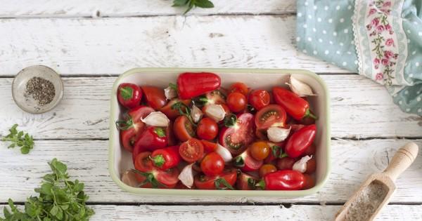 סלט עגבניות צלויות וטריות