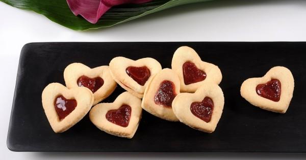 עוגיות לב ריבה: עכשיו גם בגרסה הכשרה לפסח