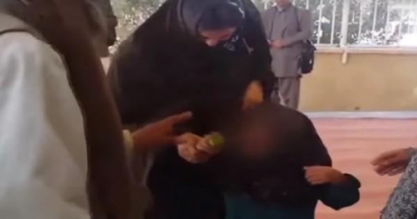 אפגניסטן: בת 6 נמכרה לבן 55 כאישה בתמורה לעז
