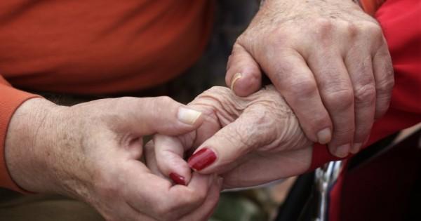 אחרי 63 שנות נישואין: נפטרו לאחר 20 דקות בנפרד