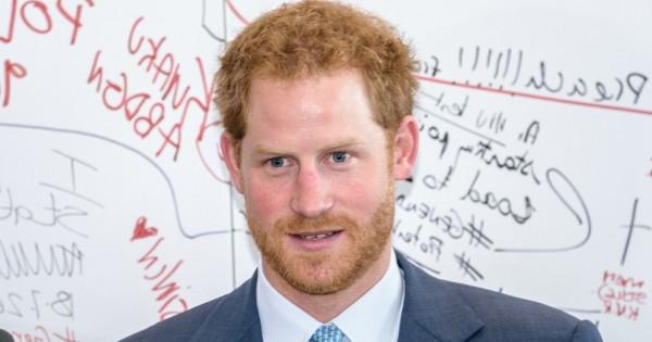 הנסיך הארי עושה שירות מדהים למין הגברי בבריטניה ובעולם כולו