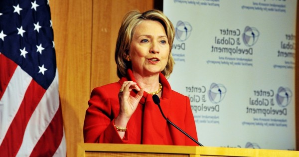 איך העולם היה נראה אם הילרי קלינטון היתה נשיאה? 5 דברים שהיו קורים בעולם מתוקן