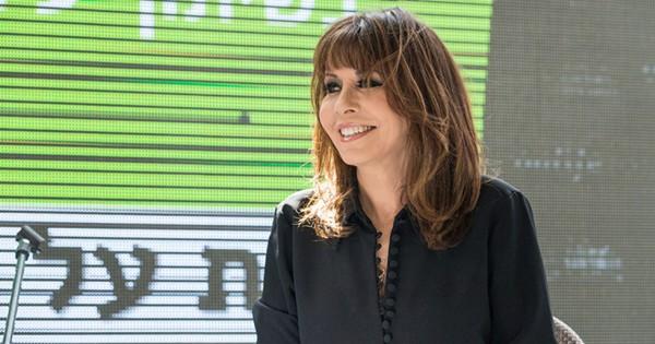 """ירדנה ארזי: """"אמנים חייבים לשרוד כלכלית, לא להגיע לגיל שזה כבר מאוחר"""""""