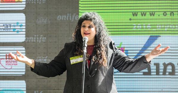 דפנה ארמוני: אמנים מתביישים לדבר על המצב שהם נמצאים בו