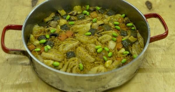 קדרת אורז וירקות בניחוח סויה