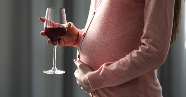 ניו יורק: לנשים בהיריון מותר לשתות אלכוהול