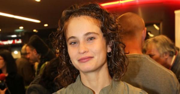 לוסי דובינצ'יק: עישנתי גם במהלך ההיריון