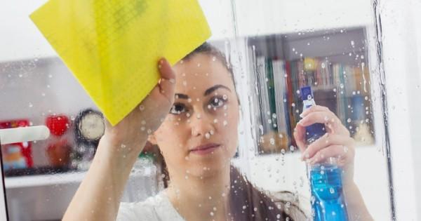 מוסד הניסויים: לנקות זבל של אחרים בשביל לשרוד