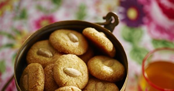 כשרות לפסח: עוגיות אמרטי (שקדים)