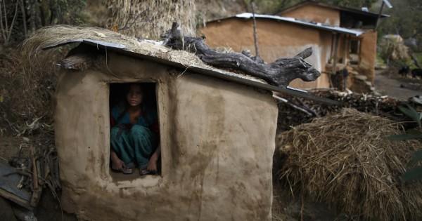 נפאל: בת 15 נשלחה לבידוד כי קיבלה וסת- ומתה