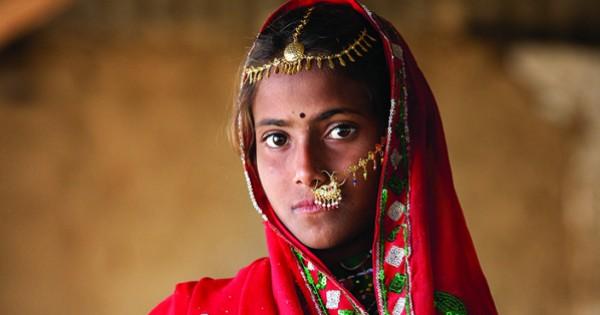 הפנים של האומץ: תצלומי נשים מסביב לעולם