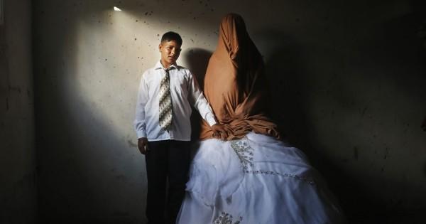 אישה עיראקית : כך חיתנתי את בתי בת ה-15