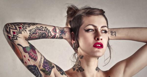 נשים וקעקועים: אקט חתרני או עוד כניעה למיינסטרים?