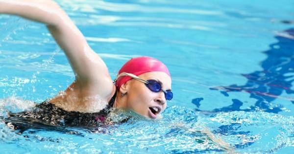 בעיות של דימוי גוף מרחיקות נשים משחייה