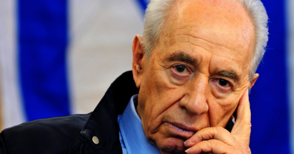 הנשיא לשעבר שמעון פרס מונשם ומורדם, ואיתו גם הפיתרון לסכסוך הישראלי-פלסטיני