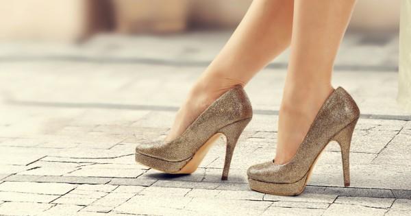 איך הופכים נעלי סטילטו לנעלי נוחות?