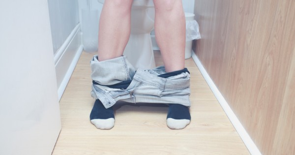 לא הולכת לשירותים בזמן: מה קורה לגוף שלך כשאת מתאפקת