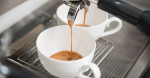 מחקר חדש: שתיית קפה יכולה להאריך את חייכם