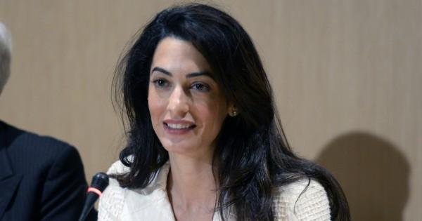 אמל קלוני מצטרפת למלחמה בדאעש בתביעה למען השפחות היזידיות