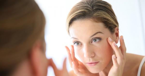 הדברים הכי מפתיעים שעלולים להזיק לעור הפנים