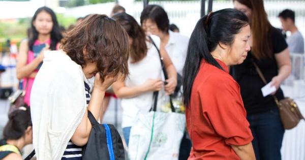 המלחמה הנוכחית של ממשלת סין: מופעי חשפנות בלוויות