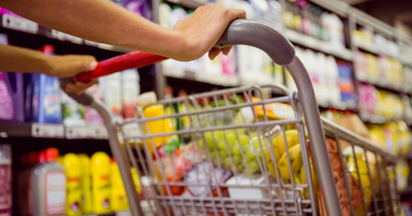 איך הפכו מוצרי המזון בישראל למותרות