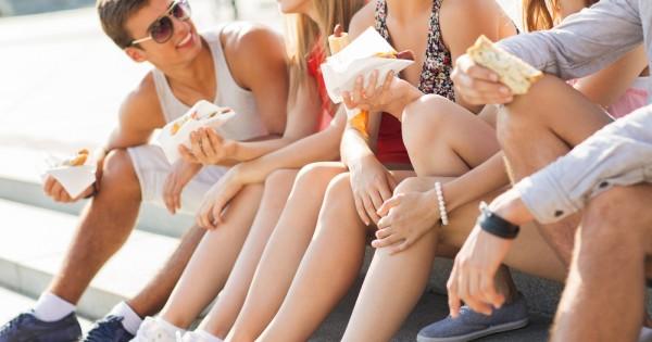 איך כדאי להתייחס להרגלי התזונה של הילדים המתבגרים שלכם?