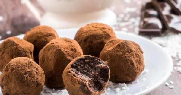 טראפלס שוקולד מריר: הקינוח הקלאסי לחובבי השוקולד