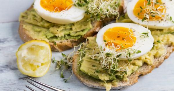 סובלים ממחסור בזמן בבוקר? פתרונות מהירים ונוחים לארוחות בוקר