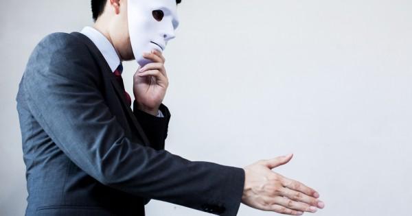 עולם העסקים אילץ אותי להסתיר את המיניות שלי