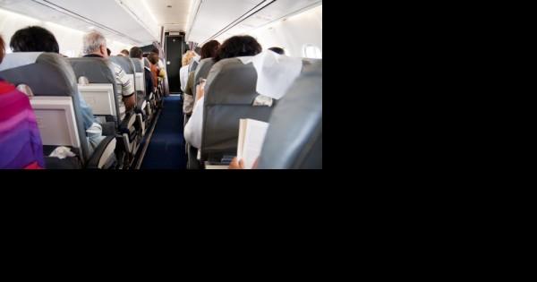 החלטה אמיצה של טייס: מסלול של טיסה שונה בגלל הטרדה מינית