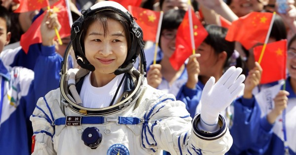 לקבל מחזור בזמן טיסה בחלל: כיצד אסטרונאוטיות מתמודדות עם המחזור?