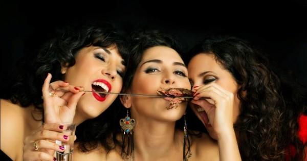 פרוייקט צילום: נשים אוכלות ללא בושה