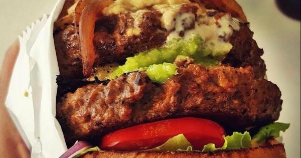 טבעונות זה לא רק עשבים: איפה מוכרים את ההמבורגר הטבעוני הכי טעים?