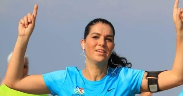 מישהי לרוץ איתה: הטריאתלון של דקלה