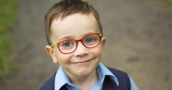 איך תזהו אם הילד שלכם זקוק למשקפיים?
