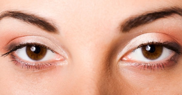 עיניים יבשות: כיצד מתמודדים איתן?