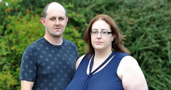 זוג לא הורשה לשמש כמשפחת אומנה כי האישה שמנה מדי