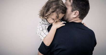 אי שוויון כלפי אבות גרושים? ארגוני הגברים מתעקשים להציג מציאות שקרית