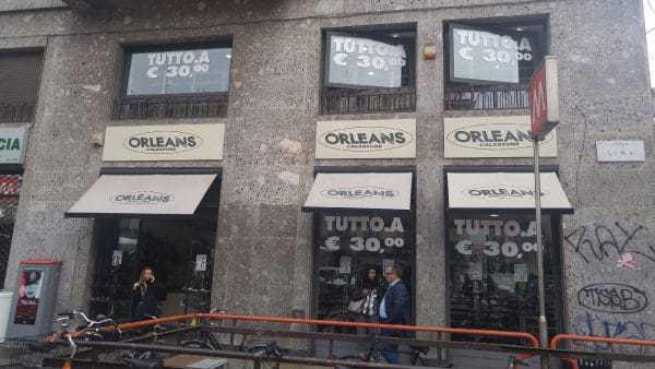 חנות נעליים בת 2 קומות במילאנו