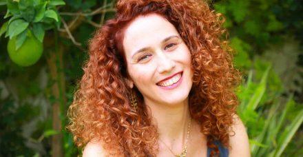 השיטה הג'ינג'ית: איך לעמוד על במה ולהותיר רושם בלי לצבוע את השיער