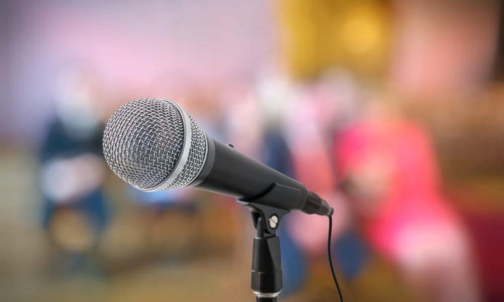 לדבר מול קהל ולכבוש אותו בקלות: 5 טיפים מעולים