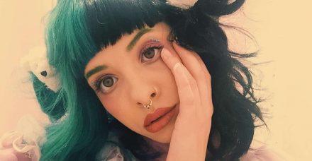 הזמרת שמואשמת באונס החברה הכי טובה שלה