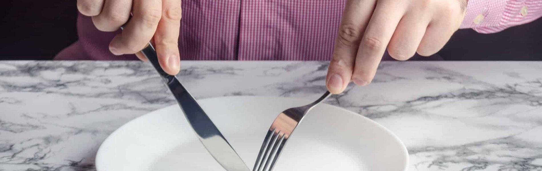 """""""להיות בררן באוכל זה לא גברי"""": גברים מדברים על הפרעות האכילה שלהם"""