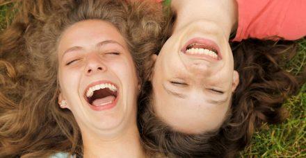 מחקר: נמצא דמיון גנטי מובהק בין זוגות חברים טובים