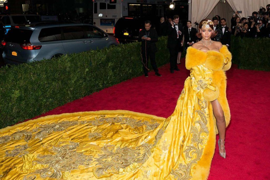 ריהאנה מתחממת. תמונה: Shutterstock