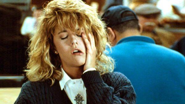"""האם נשים מסוגלות להגיע לאורגזמה? צילום מסך מתוך הסרט """"כשהארי פגש את סאלי"""""""